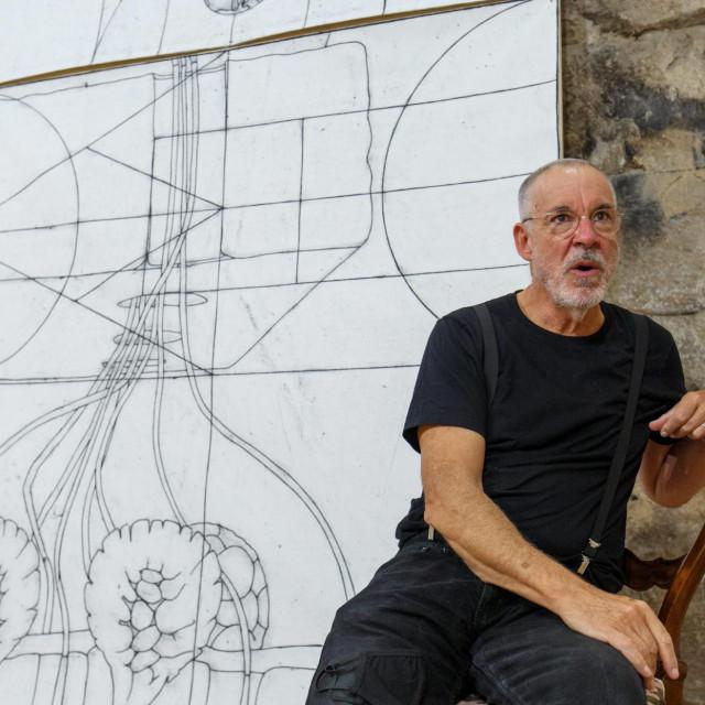 Matt Mullican: Ja sam poznat umjetnik, no moja majka bila je slavna, poznavala je sve važne umjetnike od Fride Cahlo do Marcela Duchampa