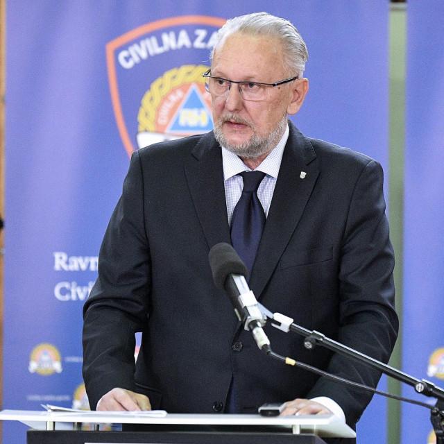 Ministar Božinović je nakon pucnjave na Markovu trgu izjavio kako novinari više neće moći pristupiti ministrima radi vlastite sigurnosti