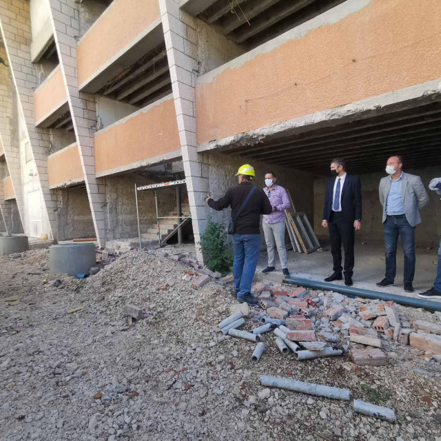 Gradonačelnik obišao gradilište bivšeg hotela Stadion