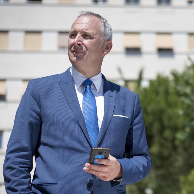 Gradonačelnik <strong>Andro Krstulović Opara </strong>početkom srpnja ponudio je prijevremeno umirovljenje zaposlenicima Banovine