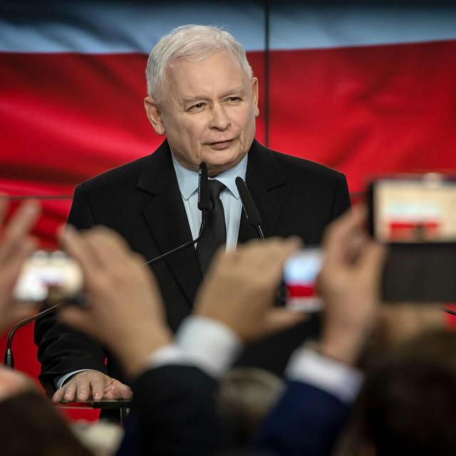 Kaczyński prijeti: 'Neće nas teorizirati novcem. Stavit ću veto na odluku o proračunu EU-a<br />