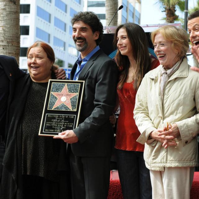 Charlie Sheen, Conchata Ferrell, Marin Hinkle, Holland Taylor i Jon Cryer