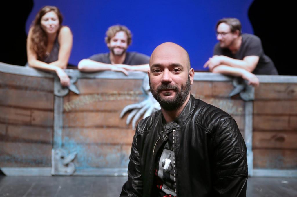 Siniša Novković, glumac GKM-a i redatelj predstave<br />