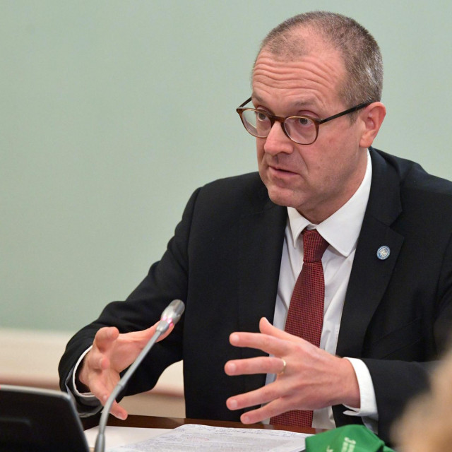 WHO Europe Director Hans Kluge meets with Russian Prime Minister in Moscow on September 23, 2020. (Photo by Alexander ASTAFYEV/SPUTNIK/AFP)