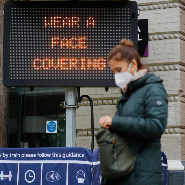 Upozorenje o nošenju maski u Londonu