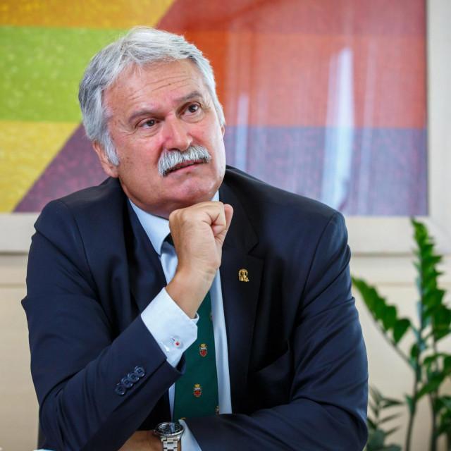 Dragan Ljutić: Studenti, molim vas da se ponašate u skladu s uputama i mjerama koje je donio Nacionalni stožer