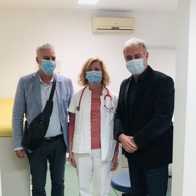 Nardelli u posjeti pedijatrici