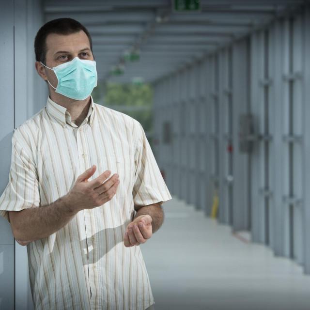 SPECIJAL SLOBODNA DALMACIJA<br /> Split, 190720.<br /> Doktor znanstvenik Ozren Polasek iznio je svoje vidjenje pandemije virusa Covid 19.<br />