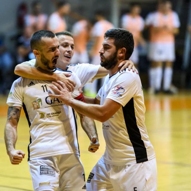 Crnica pobijedila Uspinjaču u Zagrebu