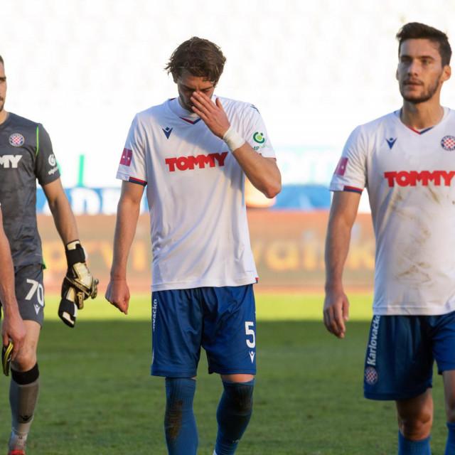 Igrači Hajduka nakon poraza od Šibenika