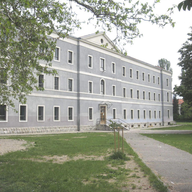 Sinj, 170508. Zgrada Franjevacka klasicne gimnazije u Sinju. Foto Vito Peric