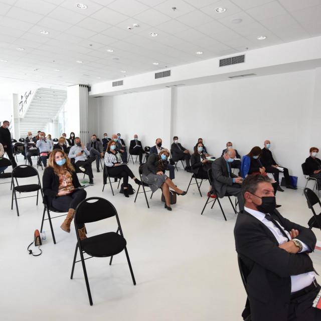 Policnik, 211020.<br /> 20. sjednica Zupanijske skupstine Zadarske zupanije odrzana je danas u Centru za razvoj i edukaciju u Policniku.<br />