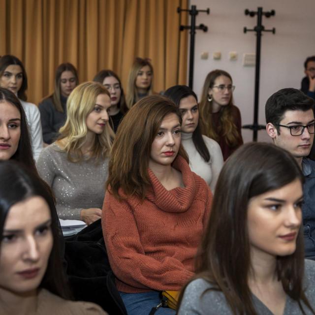 Grad Šibenik raspisao natječaj za studentske stipendije