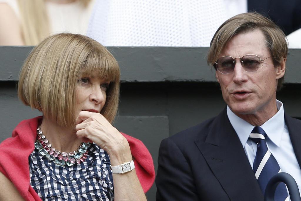 Anna Wintour sa suprugom Shelbyjem Bryanom na Đokovićevom meču na Wimbledonu 2015. godine