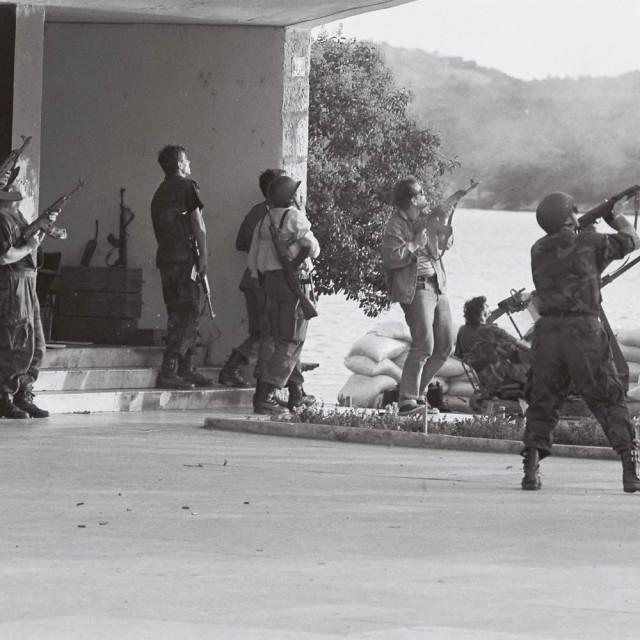 Rujanski rat u Šibeniku: lakim naoružanjem na avione u preletu