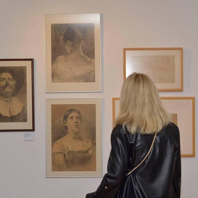 Izložen je i Medovićev portretni opus