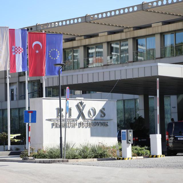 Zastava Republike Turske ispred hotela 'Rixos Premium Dubrovnik', bivšeg 'Libertasa'