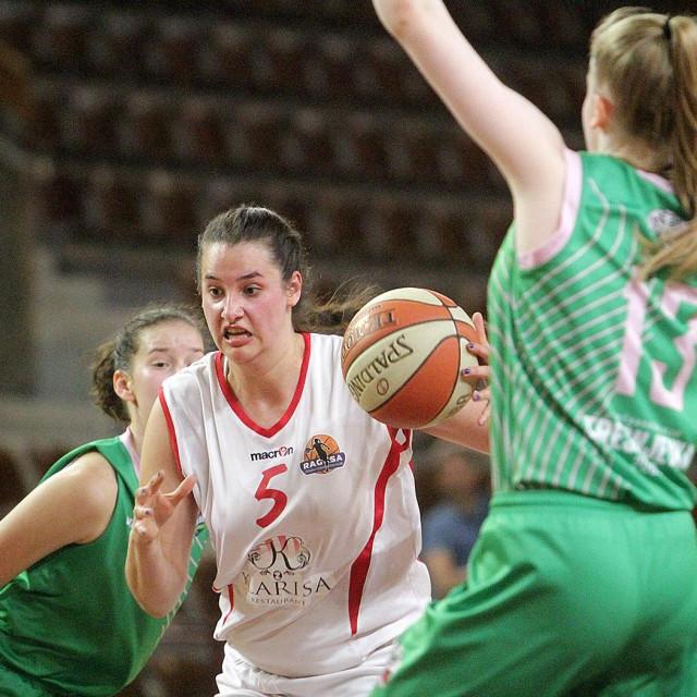 Romana Stojanović (Ragusa) protiv Trešnjevka 2009 u Gospinom polju foto: Tonči Vlašić