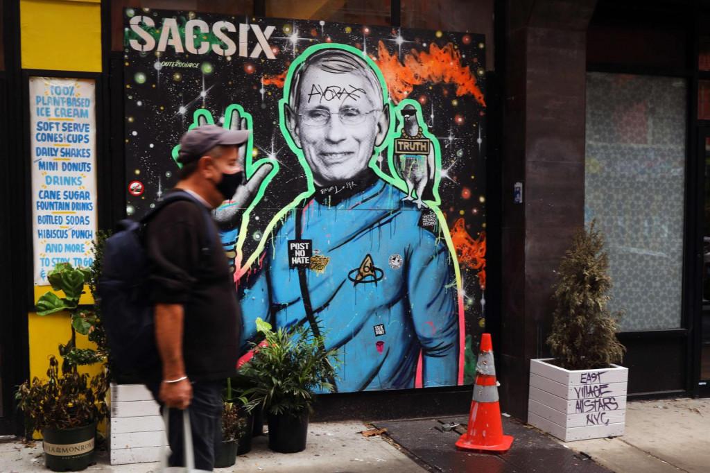 Glavni američki epidemiolog Anthony Fauci dobio je ovog mjeseca mural u New Yorku
