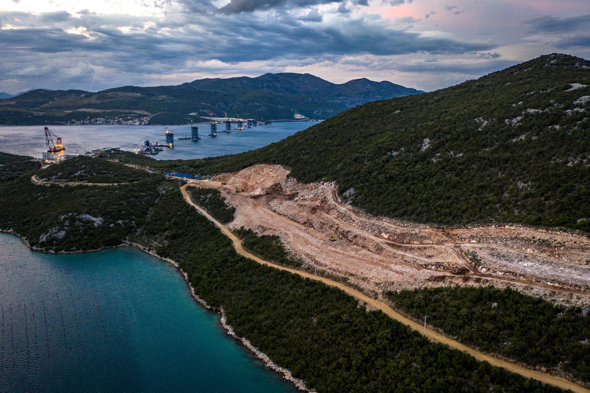 PROMETNI STRUČNJAK dr. IVAN DADIĆ Autocestu ne treba graditi do Dubrovnika, radije uvedimo brodsku liniju od Mokošice