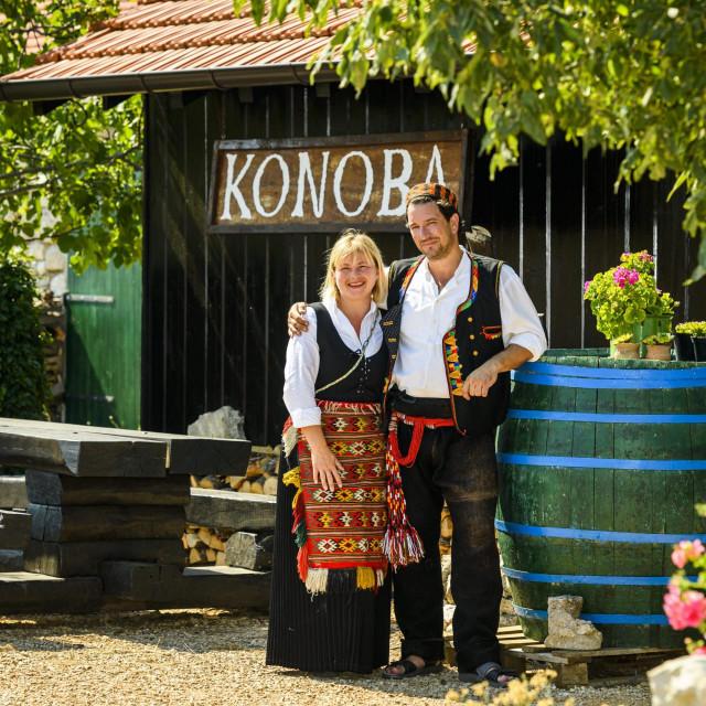 <br /> Ana i Joško Lokas vlasnici Etnolanda Dalmati<br />