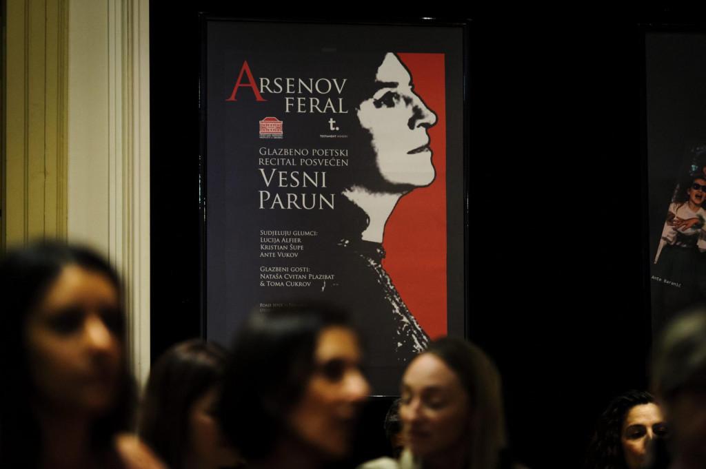 Šibensko kazalište lani se u Arsenovu feralu prisjetilo Vesne Parun povodom njezina 97. rođendana