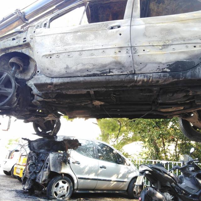 Problem će za osumnjičenog pred sudom biti veći i zbog štete na okolnim automobilima