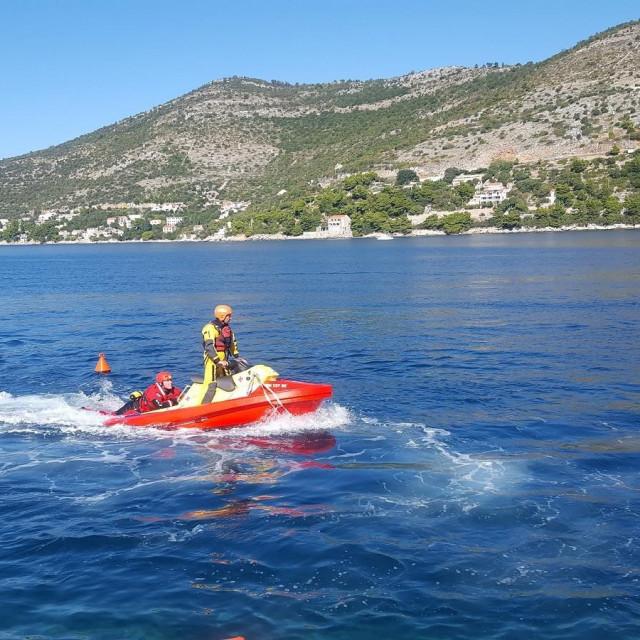 Donacijom Grada Dubrovnika nabavljeno specijalizirano plovilo za spašavanje na moru