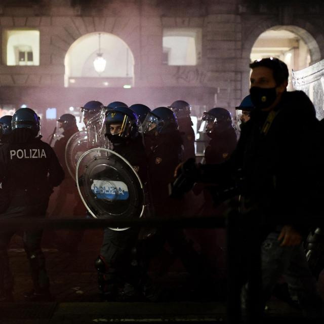 Neredi u Italiji zbog novih mjera