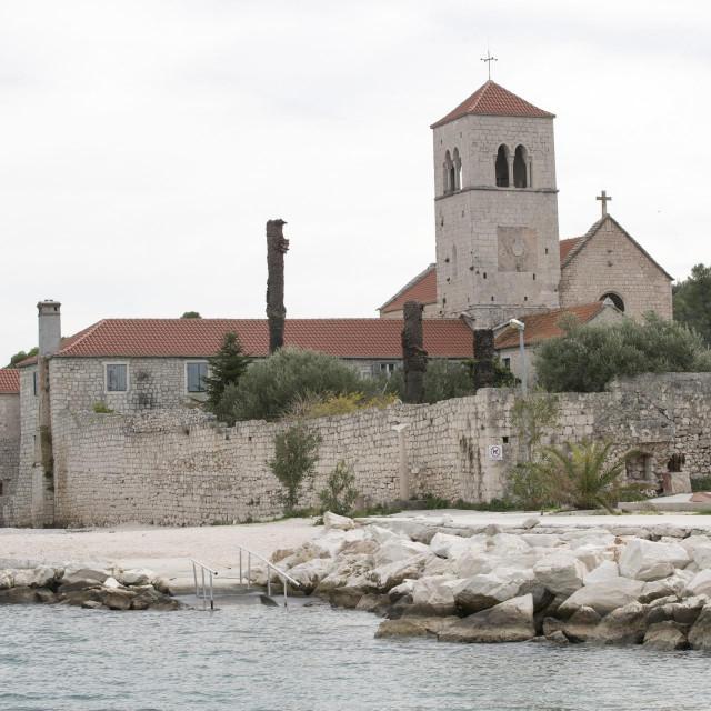 Crkva svetog Križa u Arbaniji