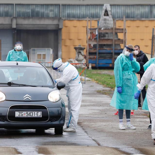 Zagreb, 281020.<br /> Velesajam.<br /> Guzve na punktu za testiranje na koronavirus na Velesajmu.<br />