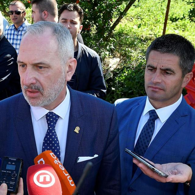 Jesu li na fotografiji sadašnji i budući gradonačelnik Splita, saznat ćemo nakon izbora u HDZ-u, ali i lokalnih