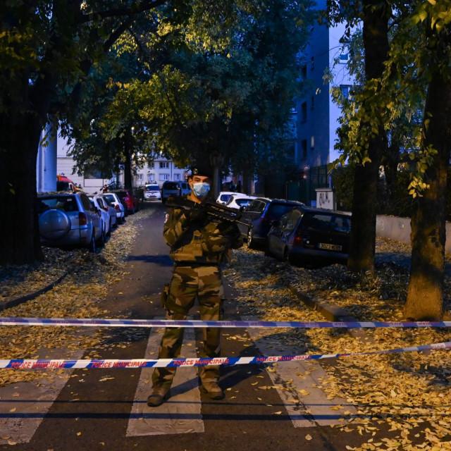 Prizor s poprišta oružanog napada u Lyonu