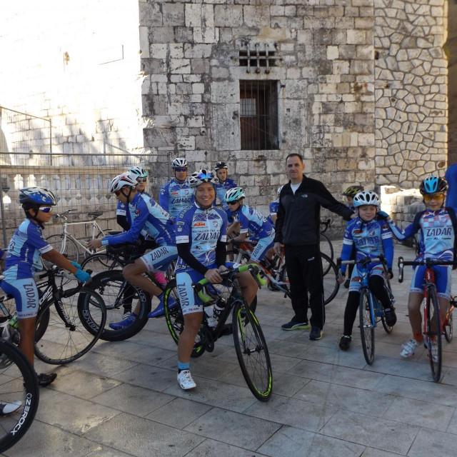Kotlar sa svojim biciklistima