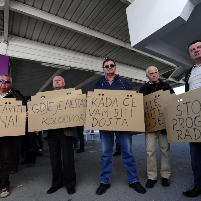 Skup solidarnsti s četvoricom djelatnika 'Autoprijevoza Sinj' koji su 2011. dobili otkaz