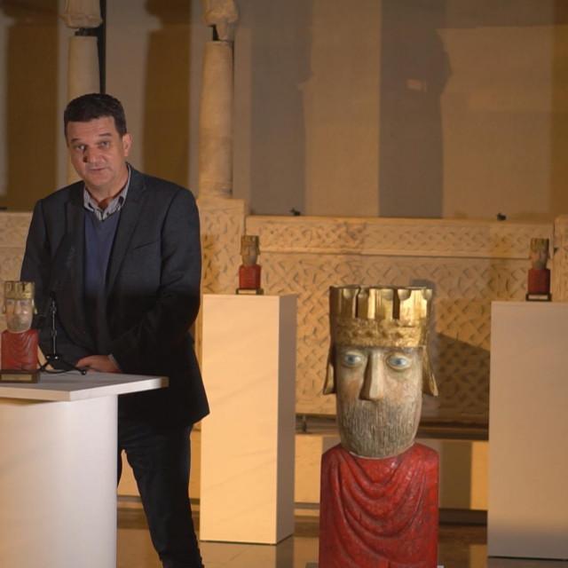 Ravnatelj organizatora, MHAS-a, Miroslav Katić govori na otvaranju šestog međunarodnog festivala arheološkog filma<br />