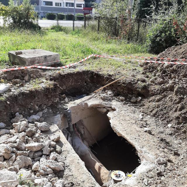 Počeli su radovi na sanaciji i rekonstrukciji korita bujičnih potoka koji prolaze kroz auto-kamp Kupari