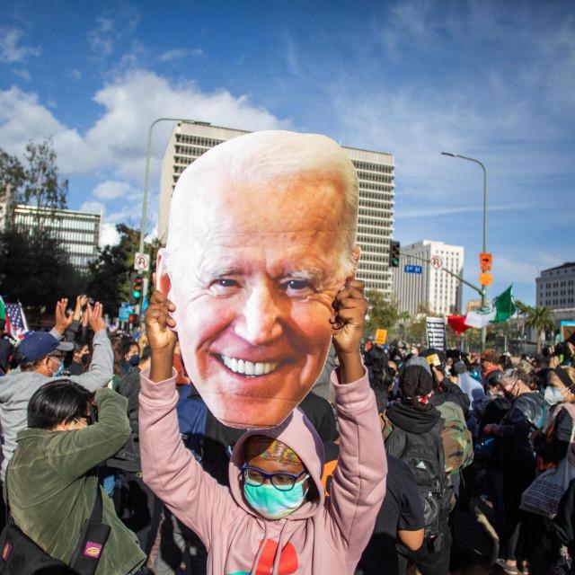 Biden je, pokazat će se, pobijedio, ali teško je vjerovati da je riječ o osobi koja će napraviti iskorak, koja će donijeti neke nove velike ideje za cijeli svijet