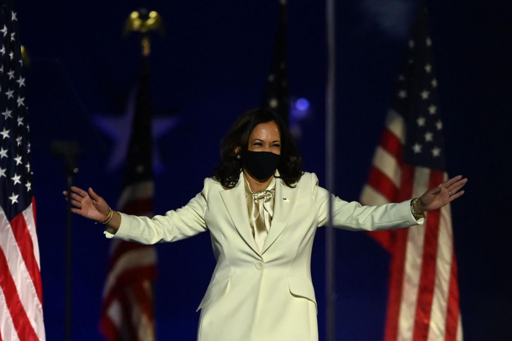 TOPSHOT - Vice President-elect Kamala Harris arrives to deliver remarks in Wilmington, Delaware, on November 7, 2020, after she and Joe Biden were declared the winners of the presidential election. (Photo by Jim WATSON/AFP)