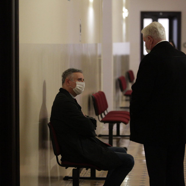 Tomislav Karamarko i Ivica Todorić u hodniku suda