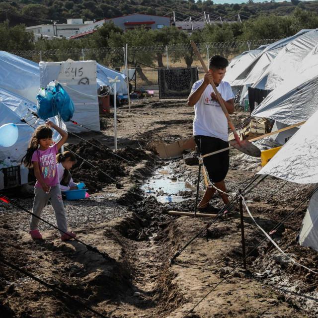 Jedno od improviziranih migrantskih naselja u Grčkoj