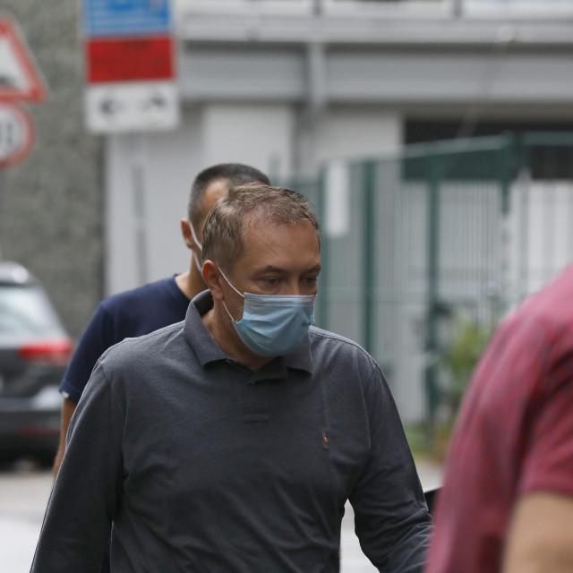 Dragan Kovačević prilikom dovođenja na pretres stana