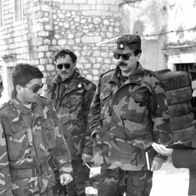 Pregovori u Sustjepanu na prvoj crti obrane: Jakša Hodak, Mišo Mihočević, Ivo Šimunović i Sofronije Jeremić