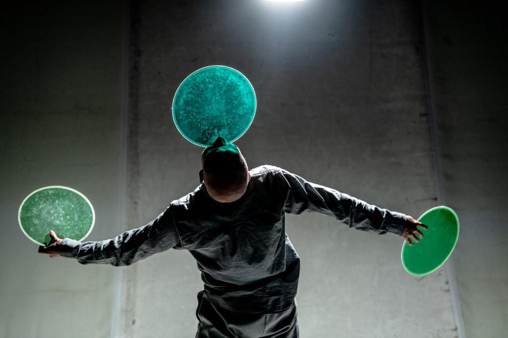 Kolja Huneck počeo je žonglirati s gramofonskim pločama
