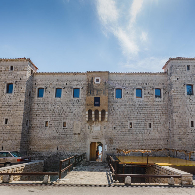 Dvorac Vitturi u Kaštel Lukšiću jedan je od bisera grada pod Kozjakom