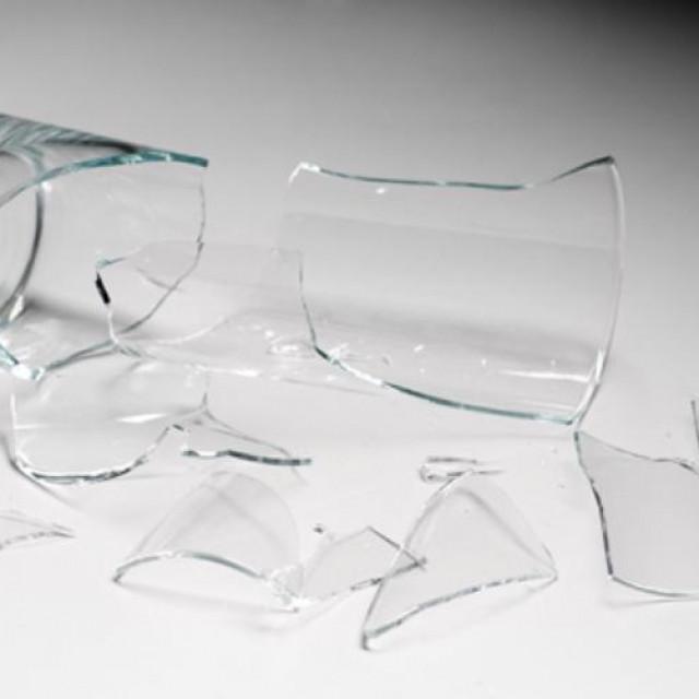 Razbijao čaše zbog mjere zatvaranja kafića u ponoć