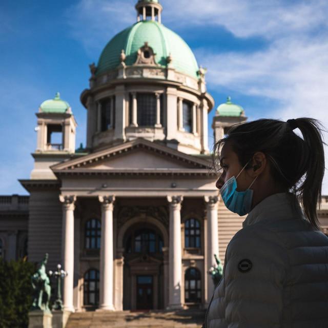 U Srbiji je u posljednja 24 sata potvrđeno 2813 novozaraženih koronavirusom, a 21 je osoba umrla