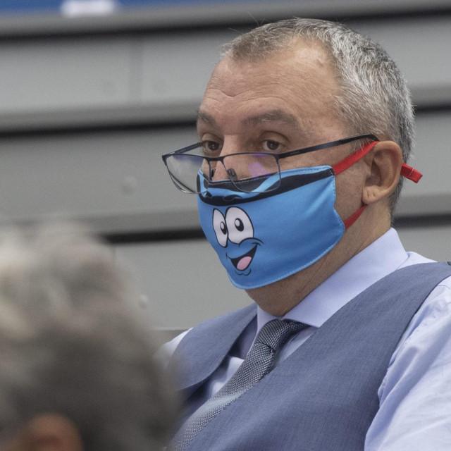 Saša Horvat je i županijski vijećnik HGS-a, te očuh predsjednika splitskog Gradskog vijeća Igora Stanišića