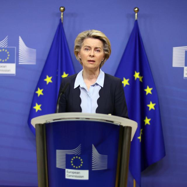Želimo zaštiti ljude od virusa i zaštiti njihova radna mjesta, poručuje predsjednica Europske komisije Ursula von der Leyen