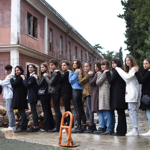 Mladi glumci iz Drame plus u iščekivanju budućeg centra za mlade na Voštarnici